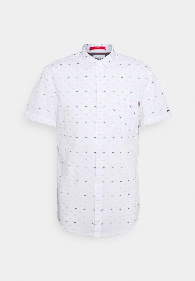 SHORT SLEEVE DOBBY  - Skjorter - white