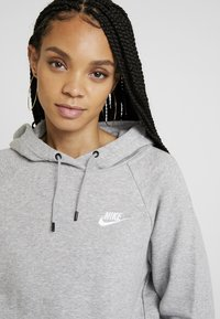 Nike Sportswear - HOODIE - Kapuzenpullover - dark grey heather/white - 4