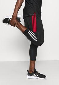 adidas Performance - 3 STRIPES PRIMEGREEN TECHFIT COMPRESSION CAPRI 3/4 LEGGINGS - Tights - black - 5