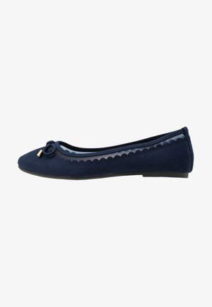 WIDE FIT PIPPASCALLOP ROUND TOE  - Ballet pumps - navy