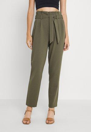 ONLSURI CAROLINA PANT - Pantalones - kalamata