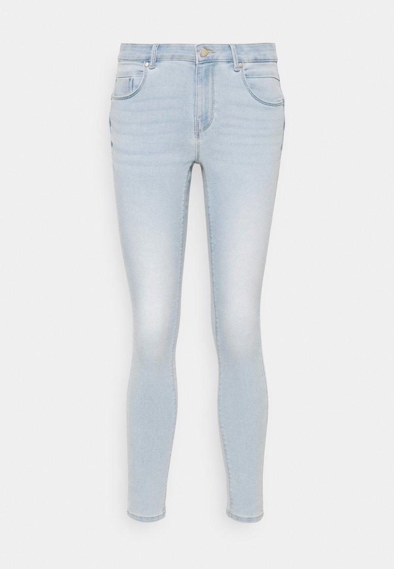 ONLY Petite - ONLDAISY LIFE PUSH UP  - Skinny džíny - light blue denim