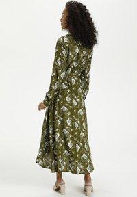 Kaffe - KAMALINE  - Shirt dress - grape leaf, chalk flower - 2