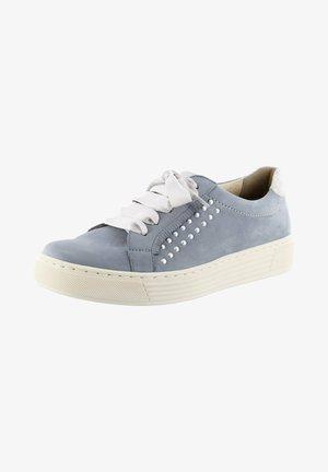 Trainers - silver grey dorado