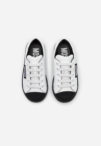 MOSCHINO - Sneakers - white - 3