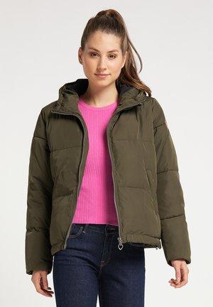 Winter jacket - militär oliv