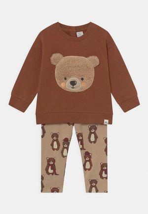 BEAR SET UNISEX - Sweater - light dusty brown