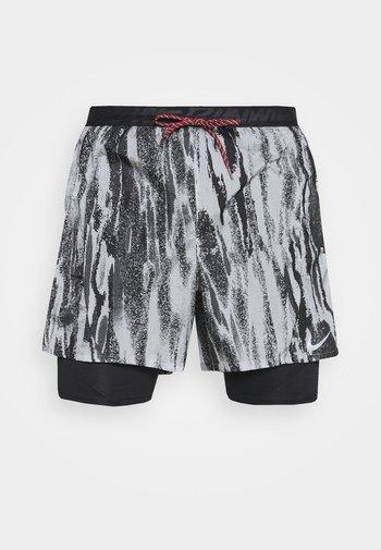 FLEX STRIDE - Sports shorts - light smoke grey/black