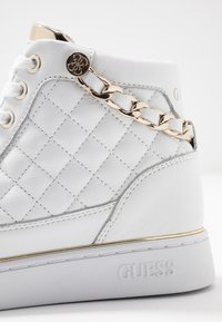 Guess - BRODEE - Sneaker high - white/gold - 2