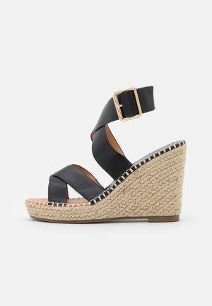 Platform sandals - noir