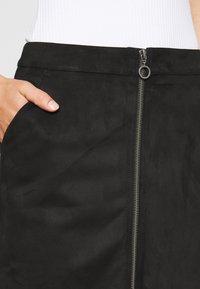 Vero Moda - VMDONNAZIPPER - Mini skirt - black - 4