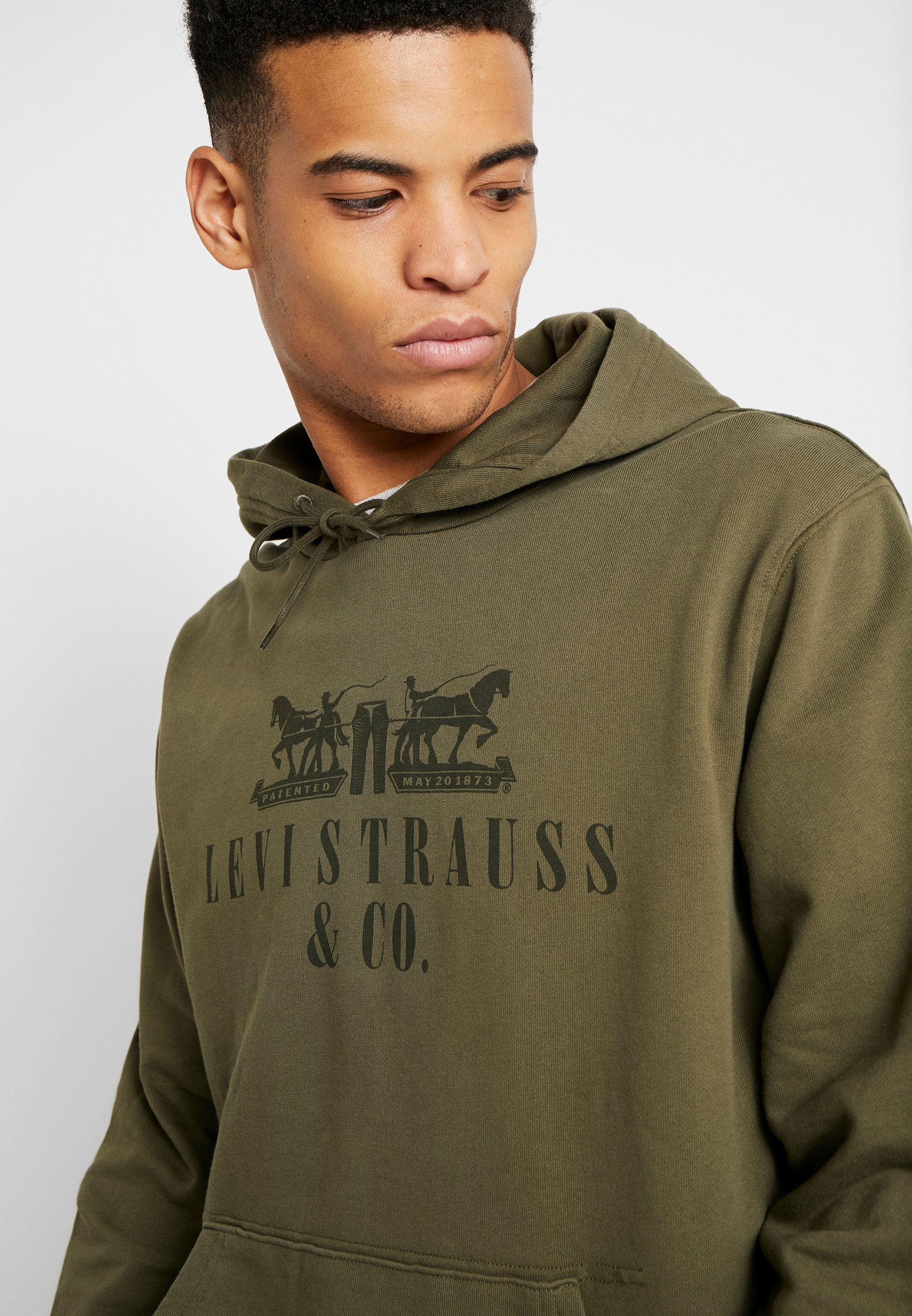 Levi's® GRAPHIC HOODIE - Sweat à capuche - utility olive night