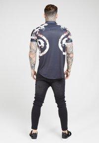 SIKSILK - T-shirt imprimé - jet black - 2