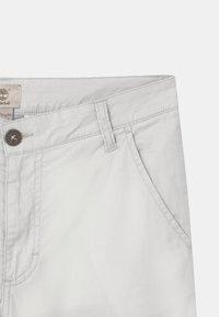Timberland - BERMUDA - Shorts - stone - 2