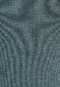 Missguided Petite - SQUARE NECK SIDE SPLIT MIDI DRESS - Maxi dress - green - 2