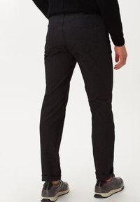 BRAX - STYLE CADIZ C - Trousers - anthra - 2