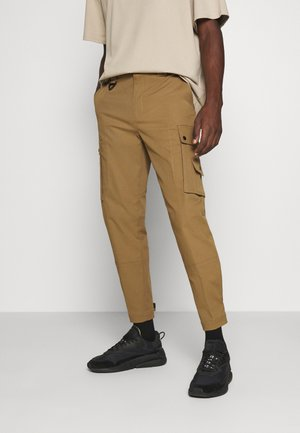 P-FREDDY TROUSERS - Cargo trousers - camel