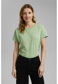PER COO CLOUDY - Basic T-shirt - leaf green
