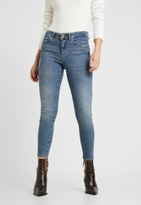 Vero Moda Petite - VMTERESA - Jeans Skinny Fit - medium blue denim - 0
