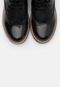 s.Oliver - BOOTS - Botki sznurowane - black - 5