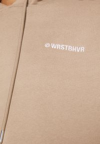 WRSTBHVR - FAITH HOODIE - Sweatshirt - roasted beige - 7