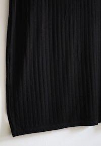 Pimkie - Pletené šaty - schwarz - 3