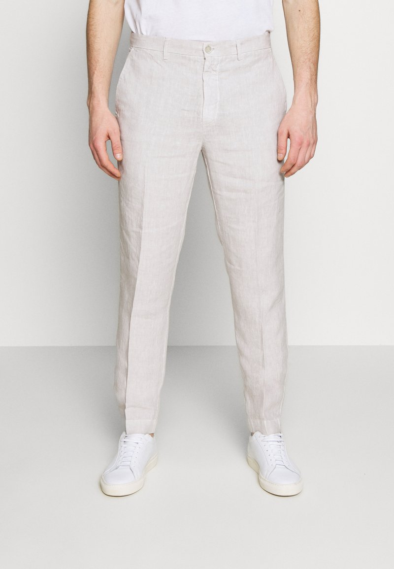 120% Lino - TAILORED TROUSERS - Kalhoty - turtle soft fade