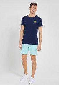 Shiwi - SUNSHINE TRIANGLE - Print T-shirt - dark navy - 1