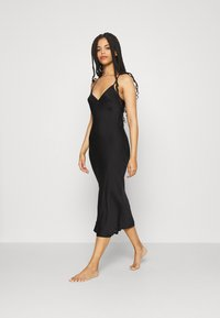 Anna Field - SIMPLE LONG LINE NIGHTIE  - Negligé - black - 1