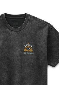 Vans - MN BEYOND THE VALLEY ZL S/S - Print T-shirt - black - 2