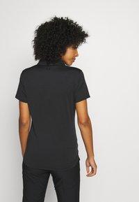 Under Armour - ZINGER SHORT SLEEVE - Sports shirt - black - 2