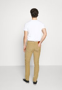 Levi's® - 511™ SLIM - Jeansy Slim Fit - harvest gold - 2