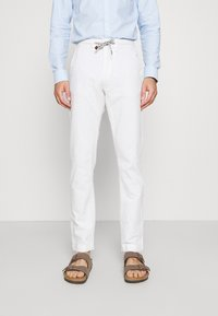 INDICODE JEANS - GALLEGOS - Trousers - white - 0
