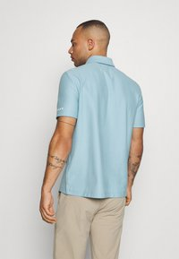 Oakley - CLUB HOUSE - Polo shirt - aviator blue - 2