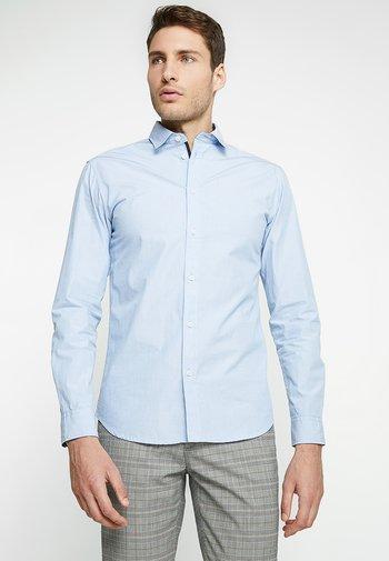 SLHSLIMMARK WASHED - Camisa elegante - light blue