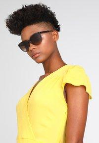 Emporio Armani - Sunglasses - brown/beige - 1