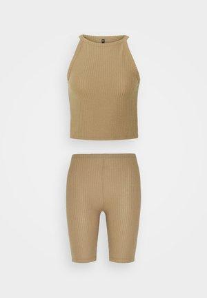 ONLNELLA SET - Shorts - toasted coconut