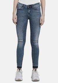 TOM TAILOR DENIM - MIT RISSEN - Jeans Skinny Fit - blue denim - 0