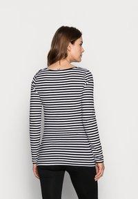 Anna Field MAMA - Camiseta de manga larga - black/white - 2