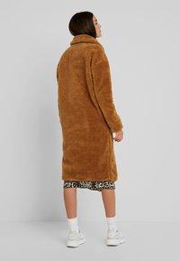 Urban Classics - Winter coat - loam - 2
