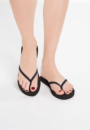 NIGHTS - Sandály s odděleným palcem - black