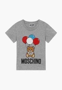 MOSCHINO - Print T-shirt - grigio chiaro - 0