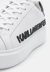 KARL LAGERFELD - MAXI KUP INJEKT LOGO - Joggesko - white - 6