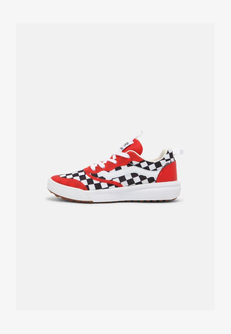 Vans - ULTRARANGE RAPIDWELD UNISEX - Sneakers laag - high risk red/true white
