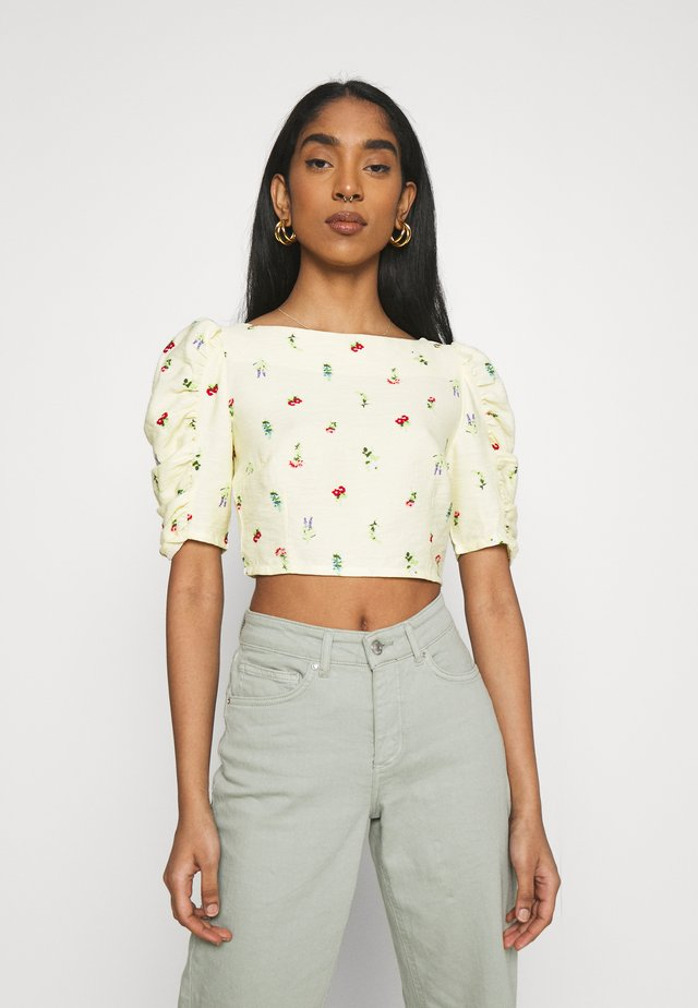 SMOCKED BACK PANEL CROP WITH GATHERED 1/2 SLEEVES - T-shirt imprimé - botanical ditsy