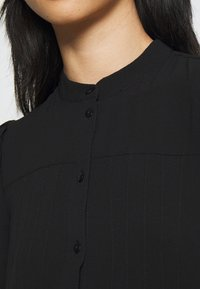 Vero Moda Petite - VMSAGA PLEAT SHORT DRESS - Shirt dress - black - 3