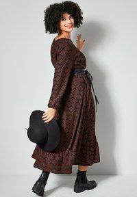 Angel of Style - Maxi dress - schwarz haselnuss - 1