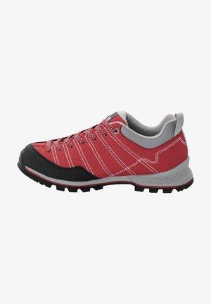 SCRAMBLER - Hiking shoes - red / light grey
