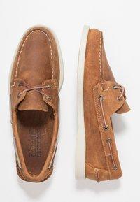 Sebago - DOCKSIDES PORTLAND CRAZY HORSE - Scarpe da barca - brown tan - 1