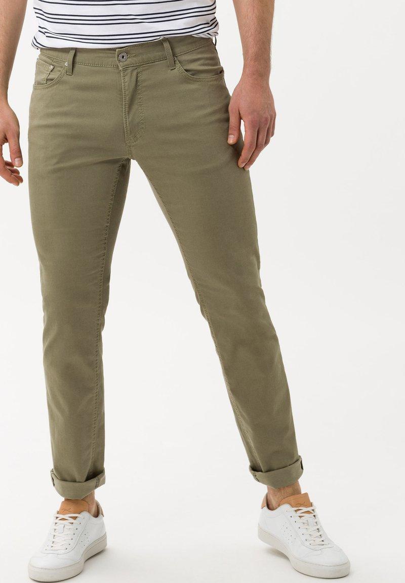 BRAX - STYLE CHUCK - Straight leg jeans - khaki
